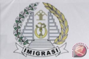 Imigrasi Mataram sita 12 paspor pekerja Tiongkok