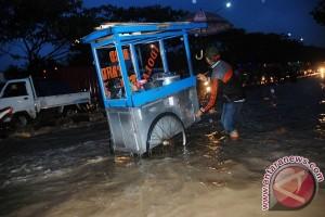Mobil hanyut di Jalan Pagarsih Bandung ditemukan