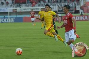 Laga Bhayangkara FC-PSM diundur