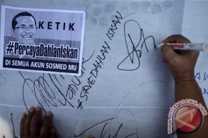 Pendukung Dahlan Iskan di Surabaya gelar aksi