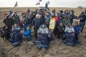 Tiga astronaut kembali ke Bumi setelah 115 hari di antariksa