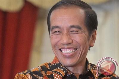 Presiden Jokowi tertawa sampai akhir di ultah Megawati