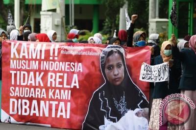 Ribuan warga Malaysia dipimpin PM Razak unjuk solidaritas Rohingya
