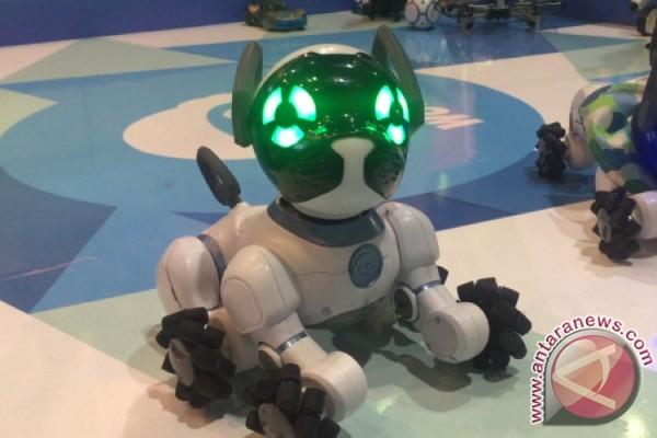 Robot Peliharaan Ramaikan Indocomtech 2016
