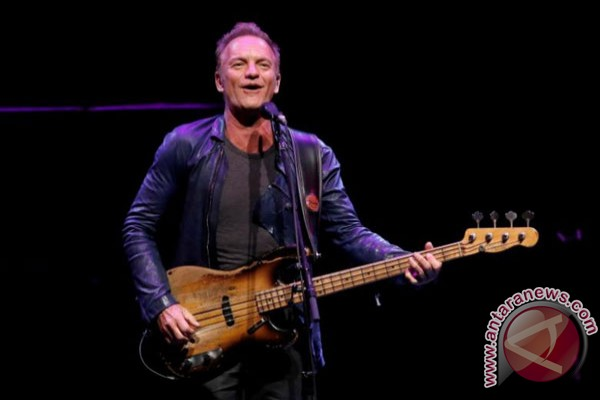 Sting Gelar Konser Di Situs Serangan Teror Paris 2015