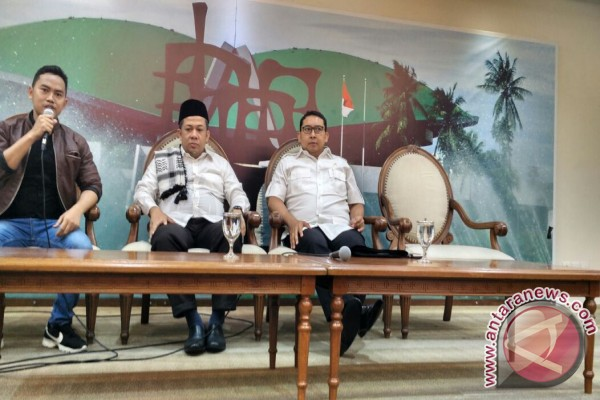 Fadli Zon persilakan demonstran menginap di DPR