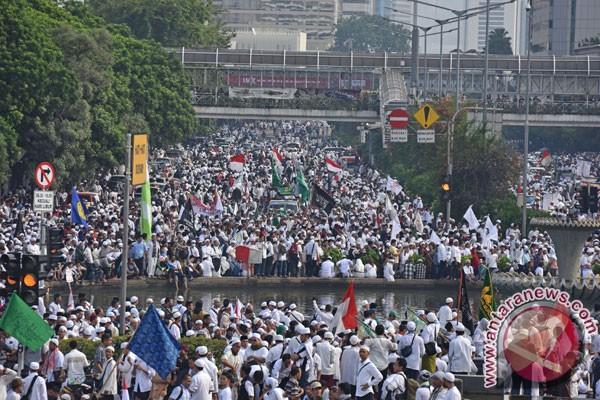 Menteri Pertahanan Puji Demonstrasi Damai 4 November