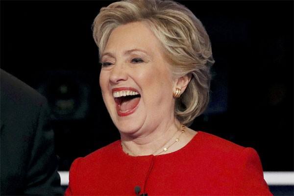 Kata Hillary Clinton Soal Penampilan Lady Gaga Di Super Bowl