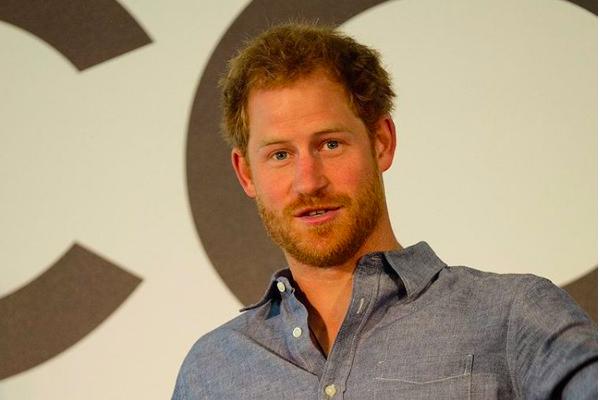 Pacar Diganggu, Pangeran Harry Kecam Media