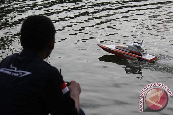 UGM Juara Kapal Cepat Tak Berawak Nasional