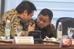 Program Indonesia Terang harus sukses