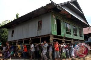 Wali Kota ingin adopsi rumah panggung khas Bekasi
