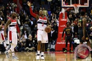 Wizards raih kemenangan perdana, kalahkan Hawks 95-92