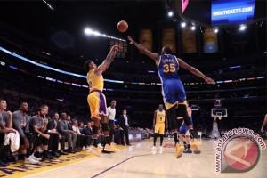 Lakers pecundangi Warriors 117-97