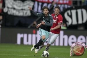 Ajax ditahan imbang AZ 2-2, terancam gagal dekati Feyenoord