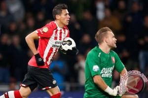 PSV ditahan imbang Twente 1-1
