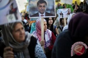 Lebih 830 tersangka anggota PKK ditangkap di Turki