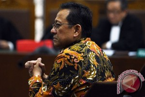 Irman Gusman didakwa terima Rp100 juta untuk alokasi gula