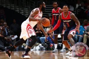 Harden lesatkan Rockets lewati Wizards 114-106