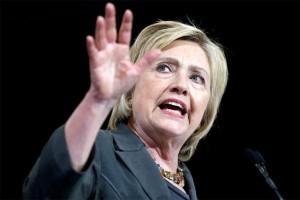 Peluang menang Hillary Clinton dirampok oleh Direktur FBI?
