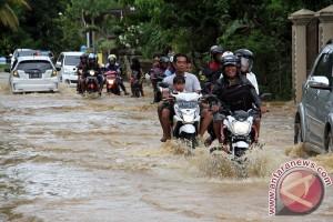 Jalan Tergenang Banjir
