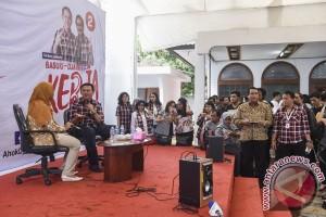 Giliran kakak beradik artis Ari-Ira Wibowo sambangi Rumah Lembang
