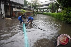 Ribuan petugas disiagakan untuk antisipasi bencana di Jakarta