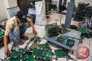 Banjir gadget membuat sampah elektronik di Asia naik 63 persen