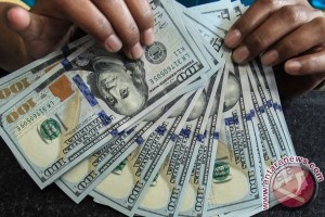 Kurs dolar AS bervariasi di tengah data ekonomi