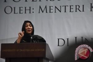 Menteri Susi menangis terima honoris causa Undip