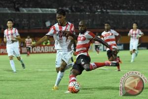Posisi Madura United kian melorot