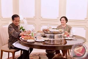 Presiden Jokowi-Megawati bertemu selama tiga jam
