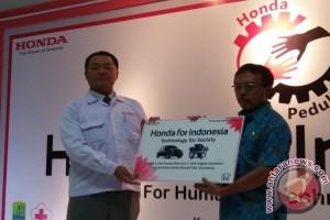 Honda donasikan mesin peraga ke sekolah kejuruan