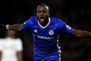 Victor Moses perpanjang kontrak dengan Chelsea