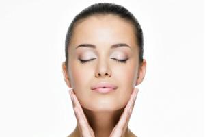Anggapan dan kebiasaan yang bikin kulit cepat menua
