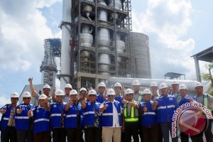 Anggota DPR Berkunjung Ke Pabrik Semen