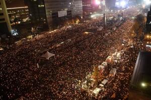 Ratusan ribu demonstran tuntut pencopotan Presiden Korsel segera