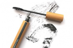 7 trik maskara untuk mata sensitif