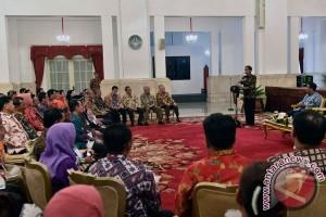 Presiden serahkan penghargaan Adhikarya Pangan Nusantara