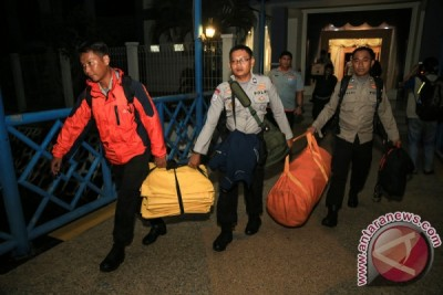 Indonesian SAR team sets up six posts for the plane that crashed