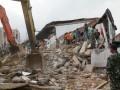 Pencarian Korban Tertimpa Reruntuhan Akibat Gempa