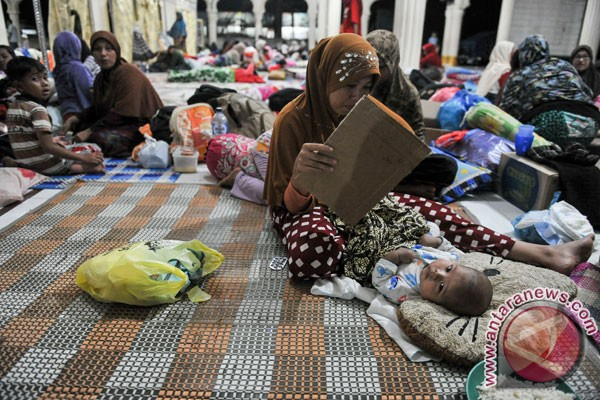 Indonesian govt builds tents for use as emergency schools: Disaster Mitigation Agency