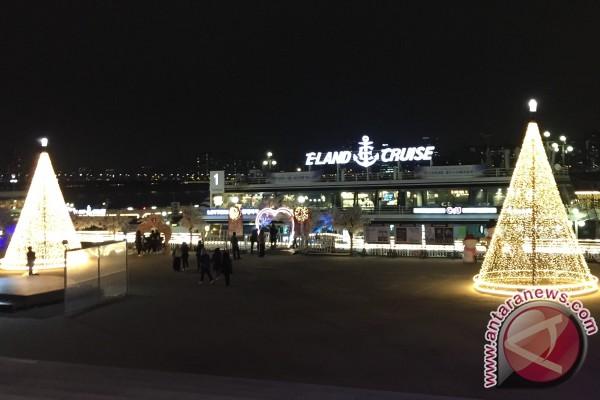 Indahnya Seoul Dari Atas Kapal Pesiar