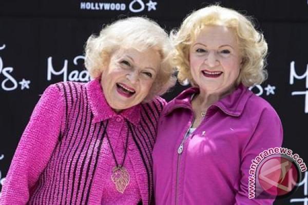 Kampanye GoFundMe Berusaha Selamatkan Betty White