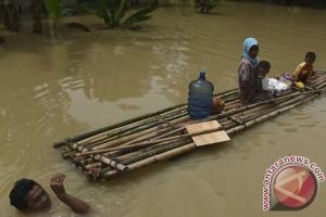 Seribuan orang mengungsi akibat banjir Bengawan Solo