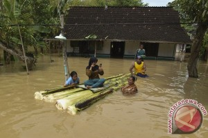 Bengawan Solo menguap, warga  Baureno Bojonegoro enggan mengungsi