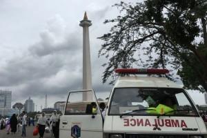 PMI Jakarta siagakan enam ambulans di Monas