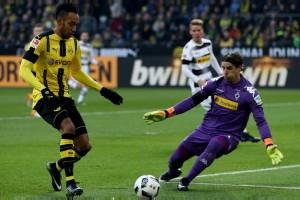 Dwigol Aubameyang antar Dortmund tundukkan Gladbach 4-1