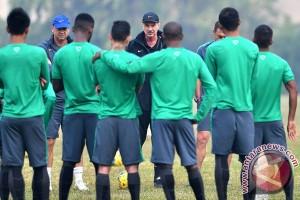 Latihan Timnas Sepak Bola Indonesia