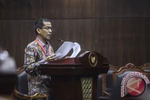 Saldi Isra disumpah sebagai hakim konstitusi